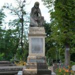 Prace konserwatorskie na cmentarzu Janowskim